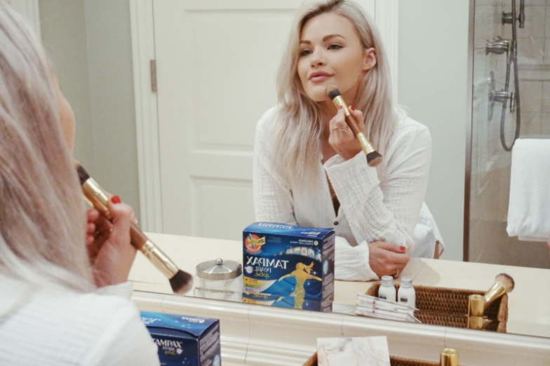 Witney Carson Tampax
